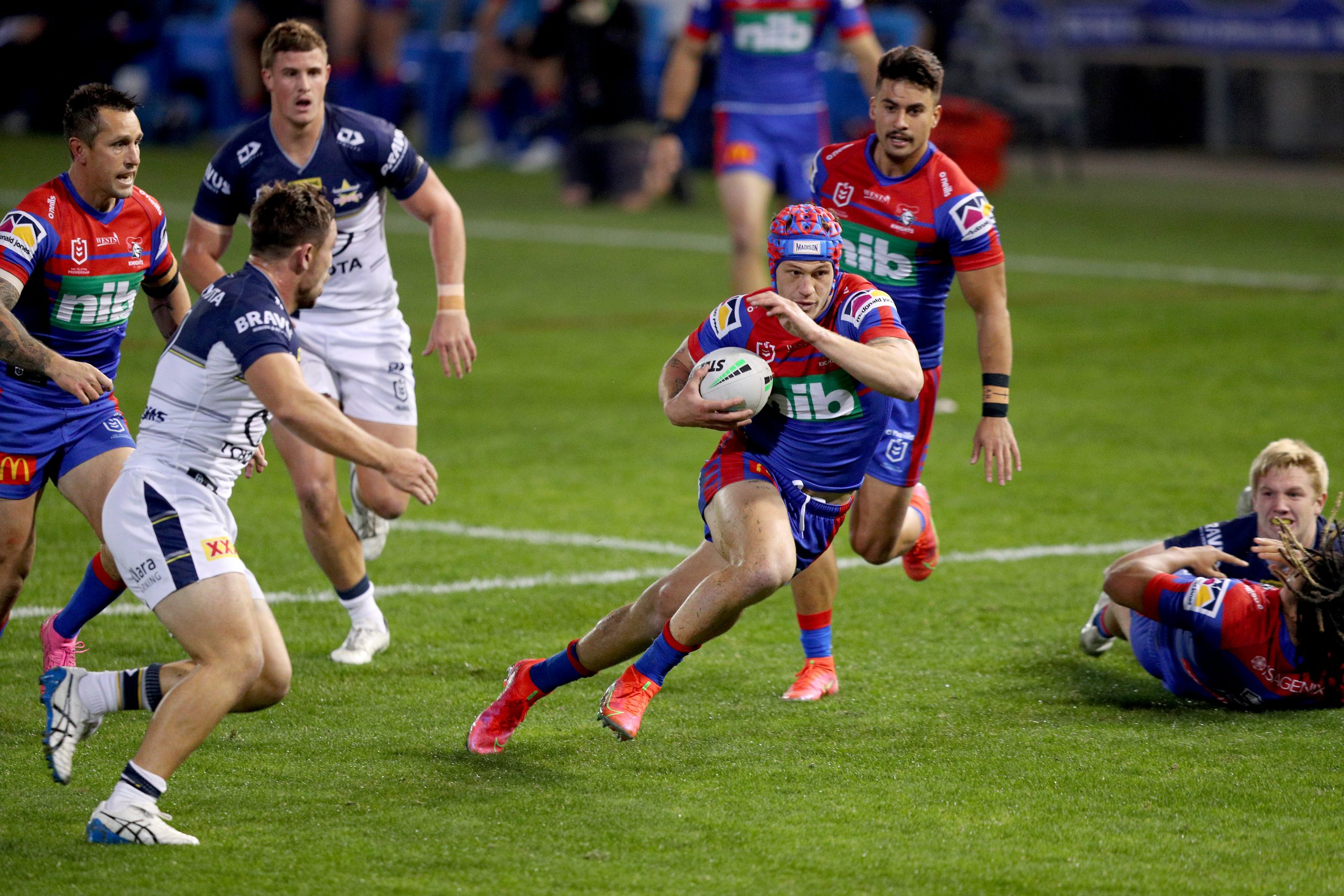 Ponga returns to lead Knights to victory over Cowboys