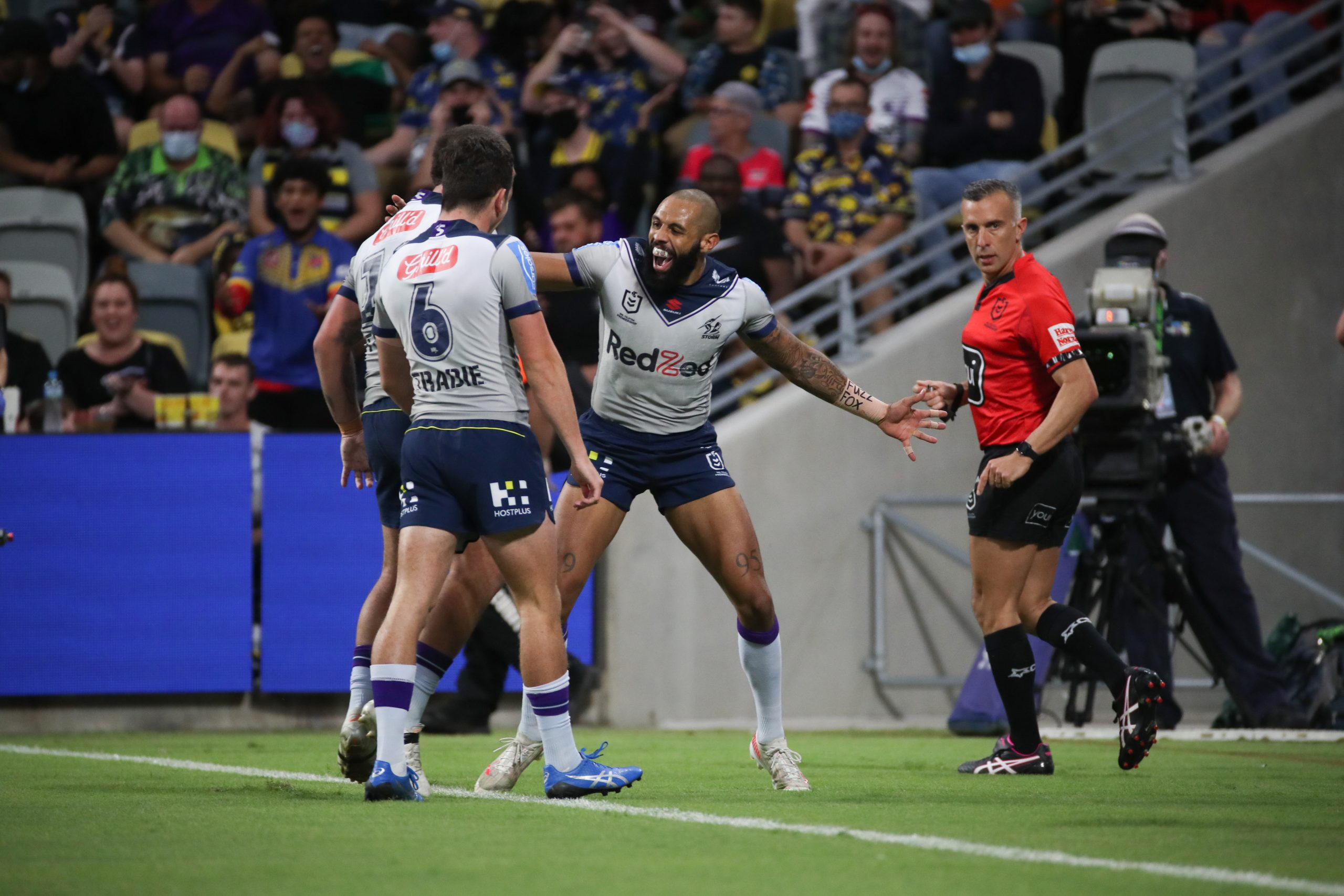 Storm survive stern Cowboys test to make it 15 straight